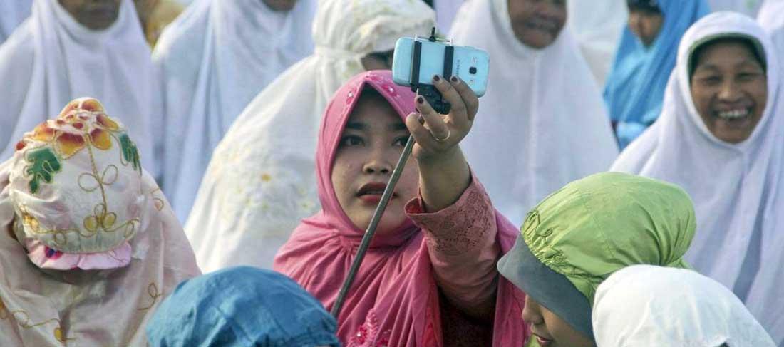 Groufie: Il bastone che ha cambiato il selfie
