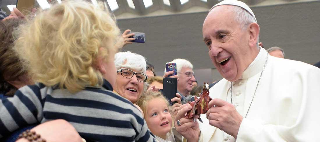 Papa Francesco e i cresimandi