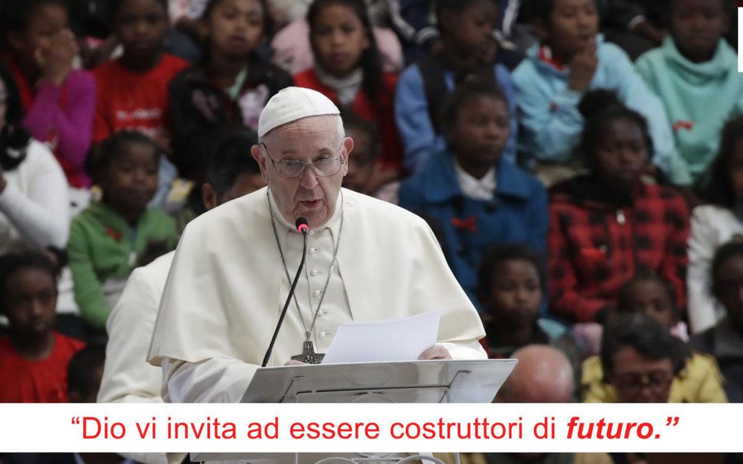 Papa ai giovani del Madagascar